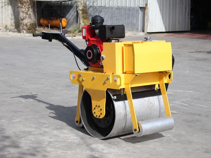 600手扶式单钢轮压路机