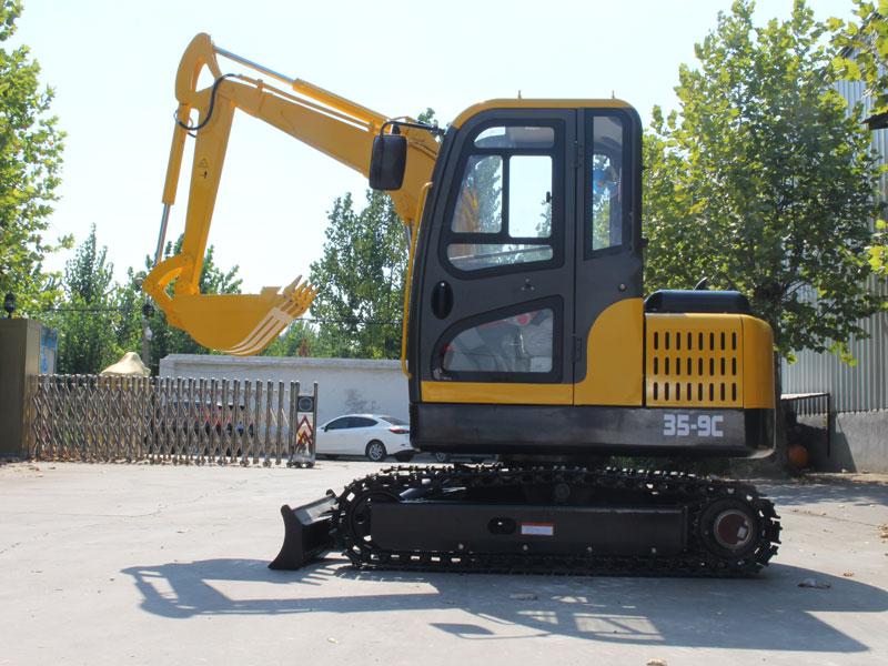 R355小型履带式挖掘机