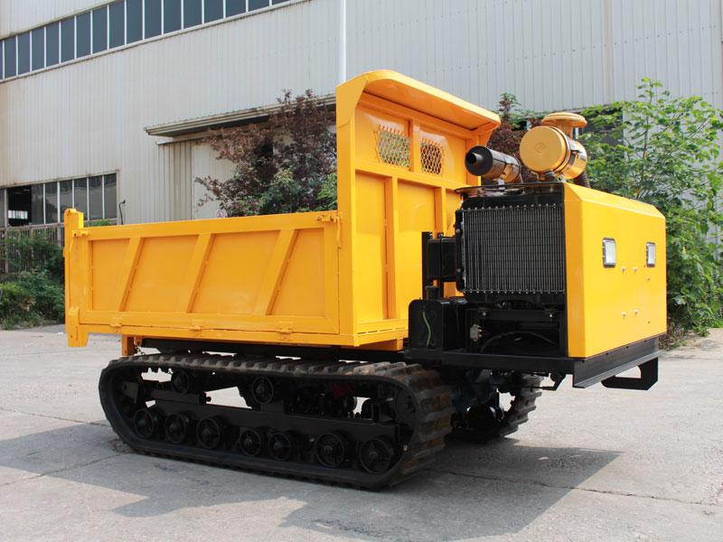 履带爬山虎运输车发动机装置保养方法